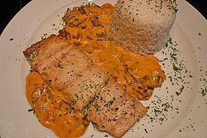 Fischfilets mit Zwiebel - Chili - Sahne - Sauce 2