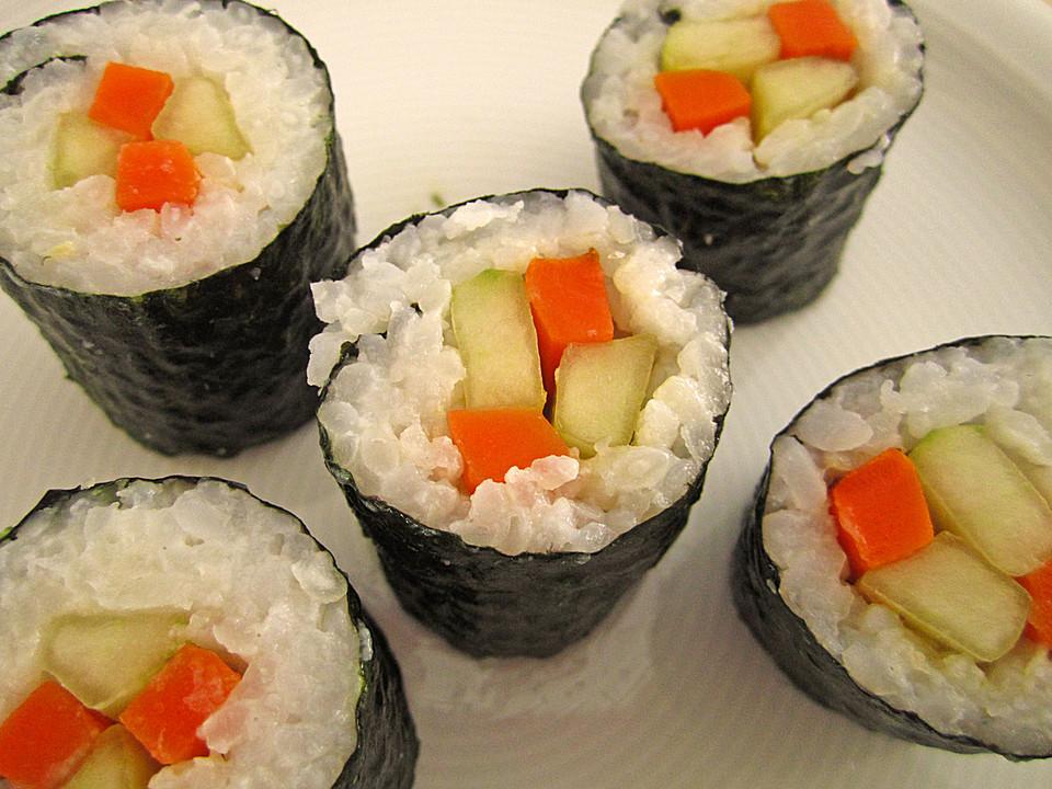 sushi mit m hren und gurkenf llung rezept mit bild. Black Bedroom Furniture Sets. Home Design Ideas