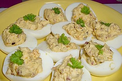 Gefüllte Eier mit Speck 1