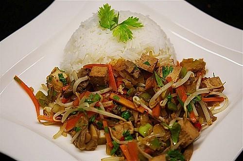 asiatisches wok gem se mit tofu rezept mit bild. Black Bedroom Furniture Sets. Home Design Ideas