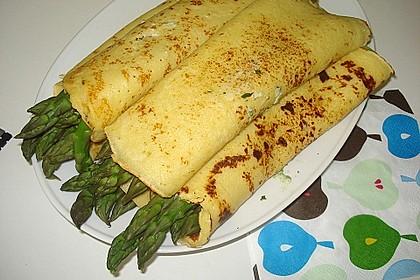 Spargel in Parmesancrêpes 3