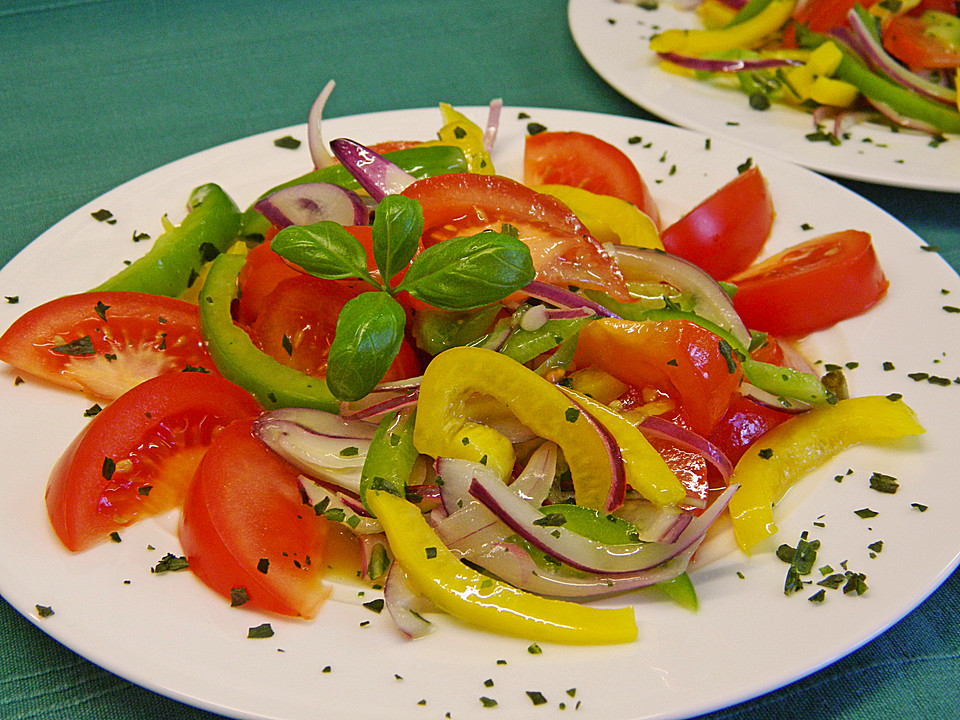 tomaten paprika salat rezept mit bild von leggerlegger. Black Bedroom Furniture Sets. Home Design Ideas
