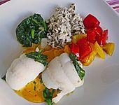 Schollen - Spinat - Röllchen mit Paprikagemüse und Safransoße (Bild)