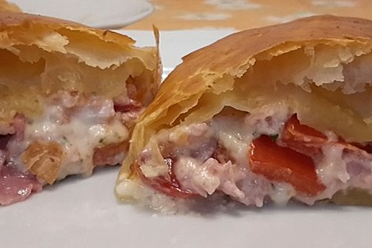 Schinken - Tomaten - Mozzarella - Strudel 23