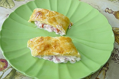 Schinken - Tomaten - Mozzarella - Strudel 24