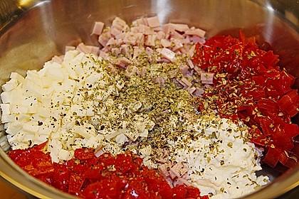 Schinken - Tomaten - Mozzarella - Strudel 16
