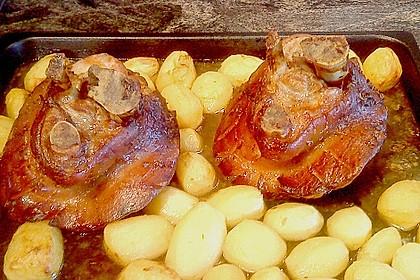 Knusprig gebratene Schweinshaxen 39
