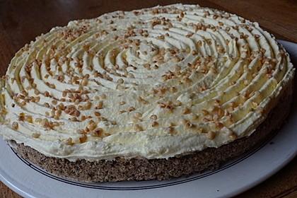 Illes super schneller Mohnkuchen ohne Boden mit Paradiescreme und Haselnusskrokant 24