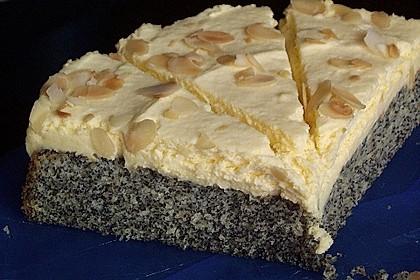 Illes super schneller Mohnkuchen ohne Boden mit Paradiescreme und Haselnusskrokant 20