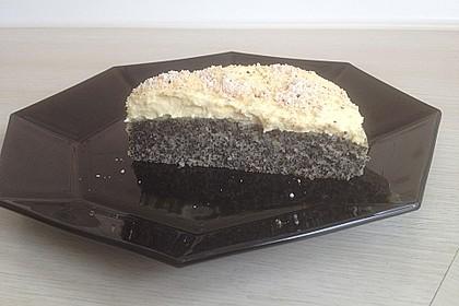 Illes super schneller Mohnkuchen ohne Boden mit Paradiescreme und Haselnusskrokant 39