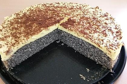 Illes super schneller Mohnkuchen ohne Boden mit Paradiescreme und Haselnusskrokant 40
