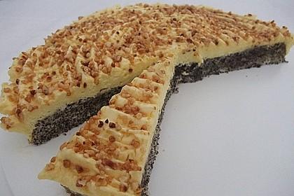 Illes super schneller Mohnkuchen ohne Boden mit Paradiescreme und Haselnusskrokant 2