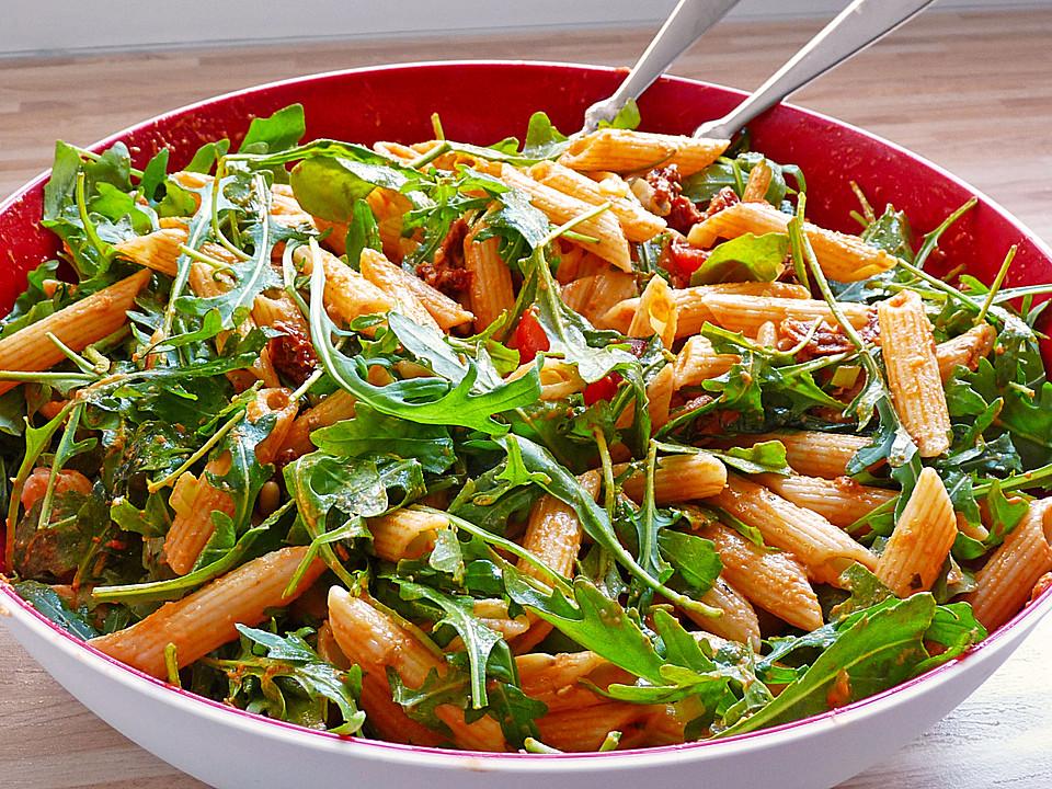 Eckis italienischer Nudelsalat mit Pesto