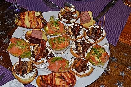 Crostini mit Ziegenfrischkäse, Zwiebeln und Feigenkonfitüre 4