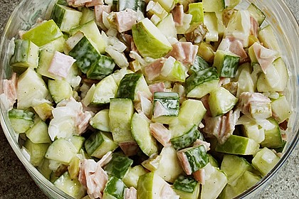 Gurkensalat mit Apfel 1