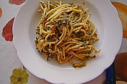 Nudeln mit Spinat - Thunfisch - Sauce 7