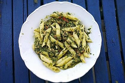 Nudeln mit Spinat - Thunfisch - Sauce 1