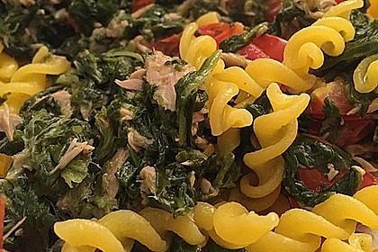 Nudeln mit Spinat - Thunfisch - Sauce