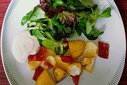 Ofenkartoffeln mit Zwiebeln, Chorizo und Sauerrahm - Paprika - Dip 20