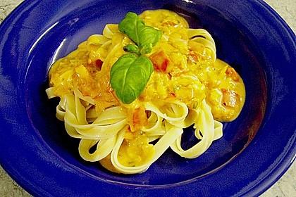 Spaghetti in cremiger Paprika - Tomaten - Frühlingszwiebel - Sauce 24
