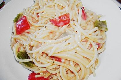 Spaghetti in cremiger Paprika - Tomaten - Frühlingszwiebel - Sauce 39