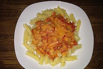 Spaghetti in cremiger Paprika - Tomaten - Frühlingszwiebel - Sauce 43