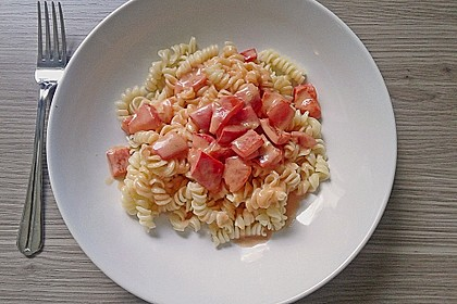 Spaghetti in cremiger Paprika - Tomaten - Frühlingszwiebel - Sauce 29