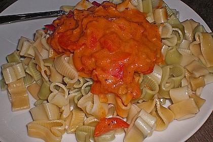 Spaghetti in cremiger Paprika - Tomaten - Frühlingszwiebel - Sauce 42