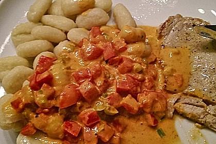 Spaghetti in cremiger Paprika - Tomaten - Frühlingszwiebel - Sauce 28