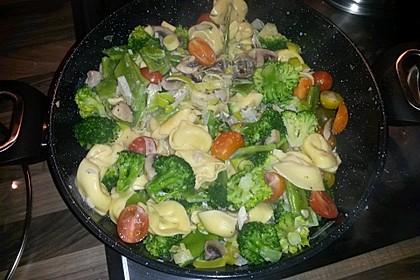 Vegetarische Tortellini - Pfanne 23