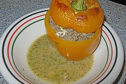 Gefüllte Paprika mit Hackfleisch, Feta und Zucchini 16
