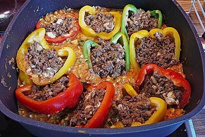 Gefüllte Paprika mit Hackfleisch, Feta und Zucchini 20