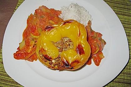 Gefüllte Paprika mit Hackfleisch, Feta und Zucchini 30