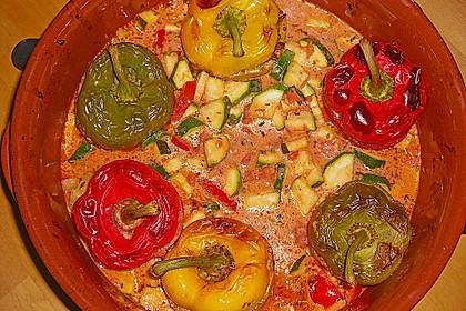 Gefüllte Paprika mit Hackfleisch, Feta und Zucchini 15
