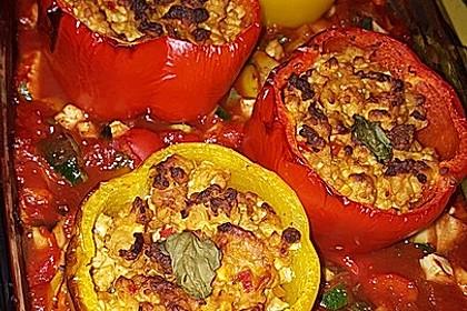 Gefüllte Paprika mit Hackfleisch, Feta und Zucchini 9