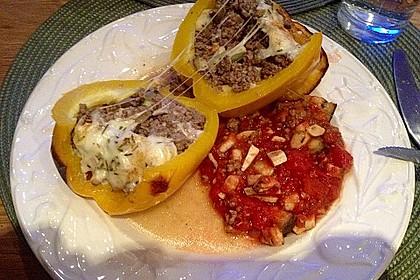 Gefüllte Paprika mit Hackfleisch, Feta und Zucchini 6