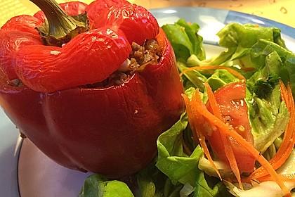 Gefüllte Paprika mit Hackfleisch, Feta und Zucchini 18