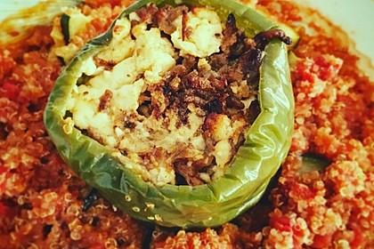 Gefüllte Paprika mit Hackfleisch, Feta und Zucchini 17