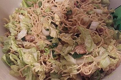 Chinesischer Nudelsalat mit Chinakohl und Lauch 1