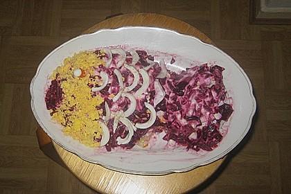 Russischer Schichtsalat 'Hering im Pelzmantel' 45