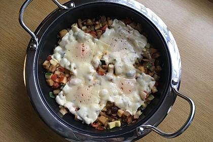 Gemüsepfanne mit Eiern und Käse 4