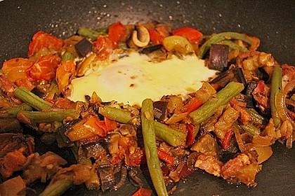 Gemüsepfanne mit Eiern und Käse 16