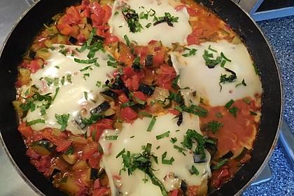 Gemüsepfanne mit Eiern und Käse 1