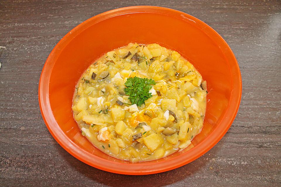 leichter kartoffelsalat mit kr utern ei und gurke rezept mit bild. Black Bedroom Furniture Sets. Home Design Ideas