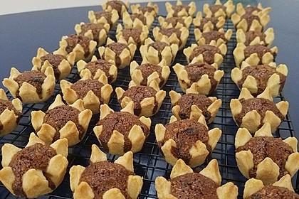 Blumen - Kekse mit Haselnussfülle 25