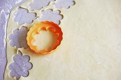 Blumen - Kekse mit Haselnussfülle 14