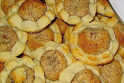 Blumen - Kekse mit Haselnussfülle 12