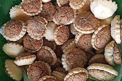 Blumen - Kekse mit Haselnussfülle 13