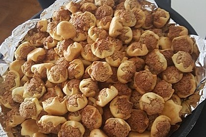Blumen - Kekse mit Haselnussfülle 24