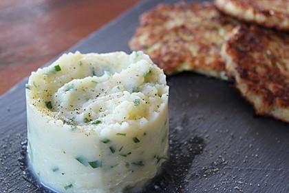 Kartoffelpüree mit Knoblauch und Kräutern